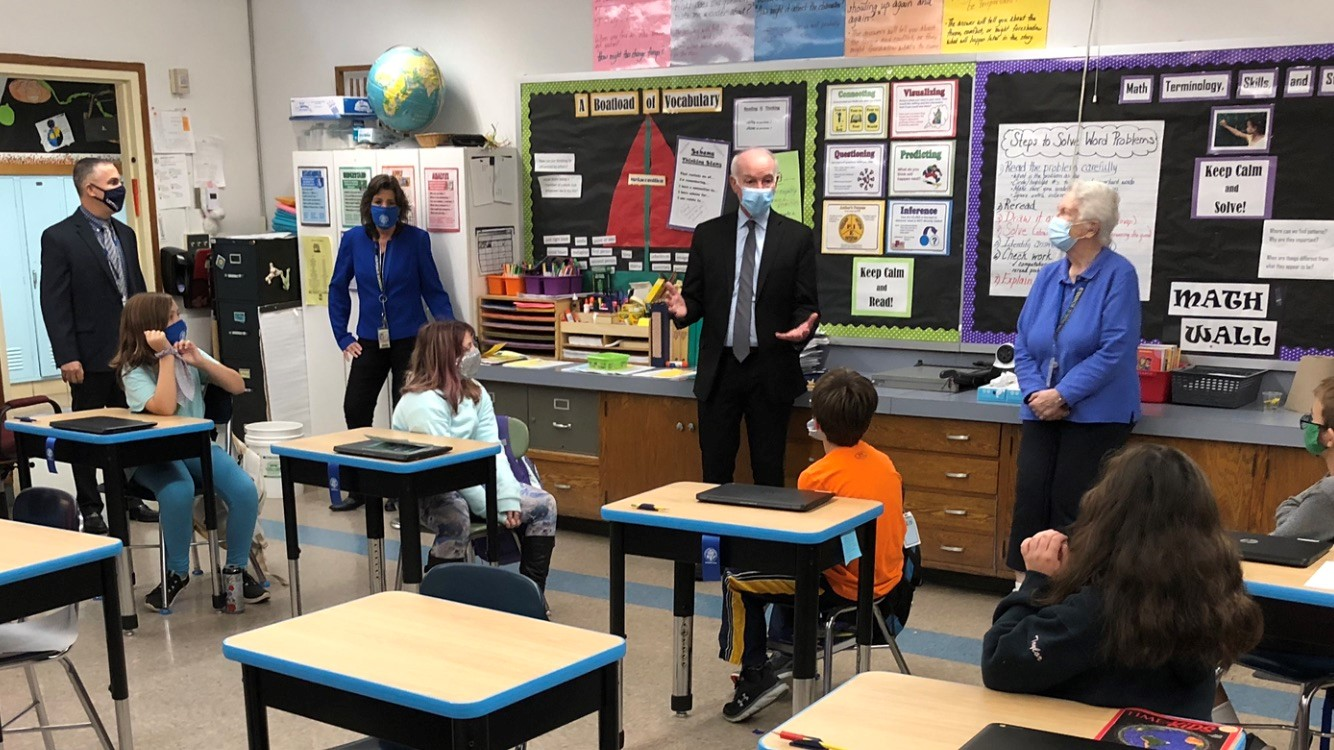 Congressman Courtney visits Northeast School